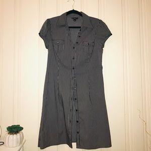 Iz Pinstriped Short Sleeve Dress Size L